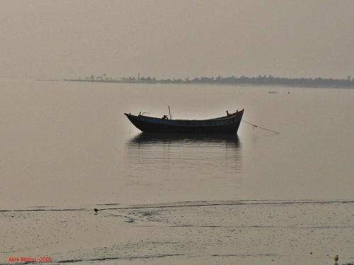 Boat on the Ganges_2