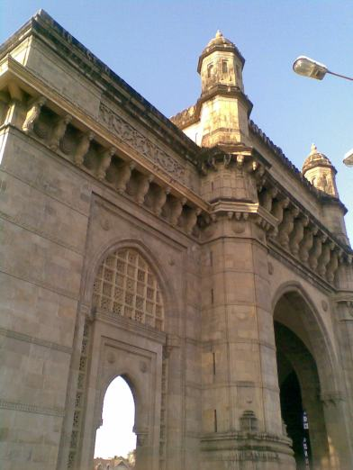 10_ Gateway of India