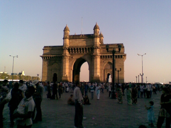 2_ Gateway of India