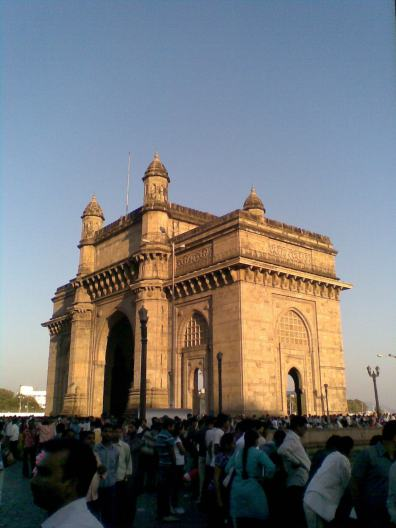 3_ Gateway of India