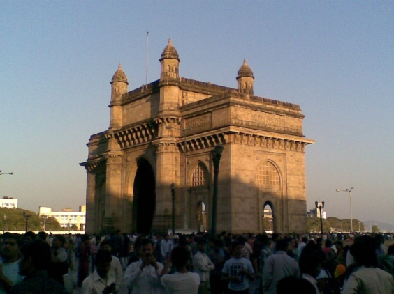 4_ Gateway of India