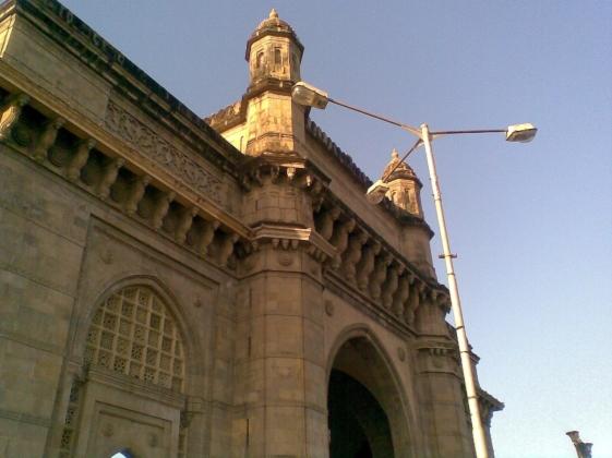 9_ Gateway of India