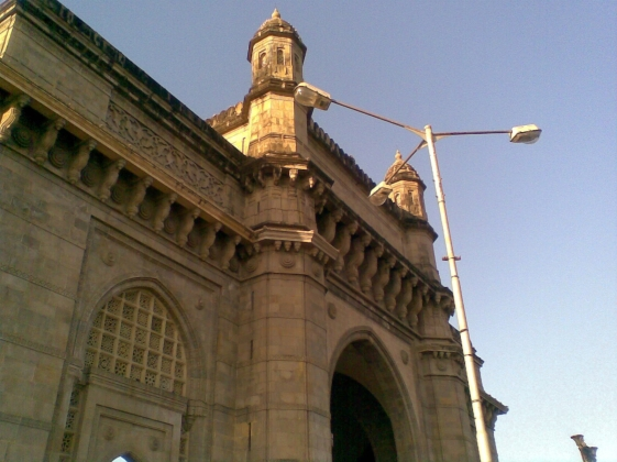 9_ Gateway of India