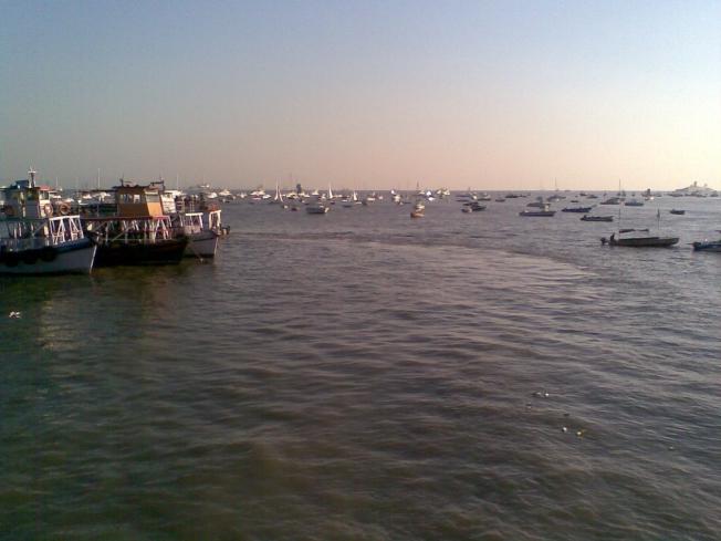 Mumbai seashore_ Dusk