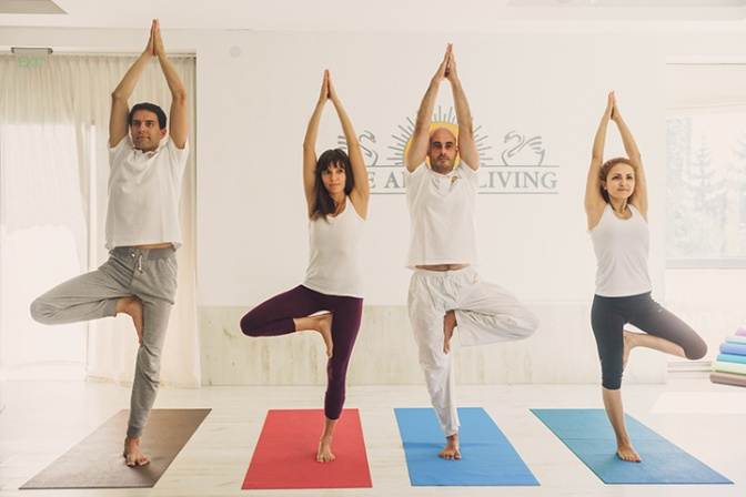 tree-pose-art-of-living